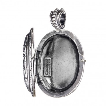 Gerochristo 3276 ~ Sterling Silver Engraved Oval Locket Pendant