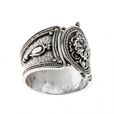Savati Sterling Silver Rosette Large Band Ring